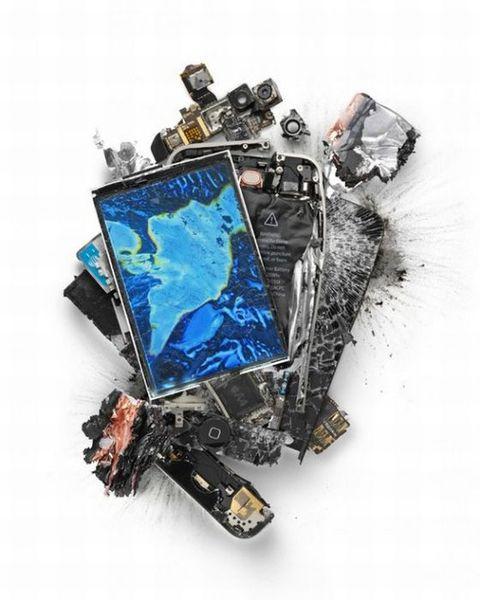 Уничтоженные гаджеты от Apple (19 фото)