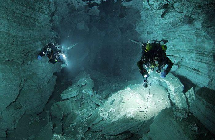 Путешествие по подводной пещере (23 фото)