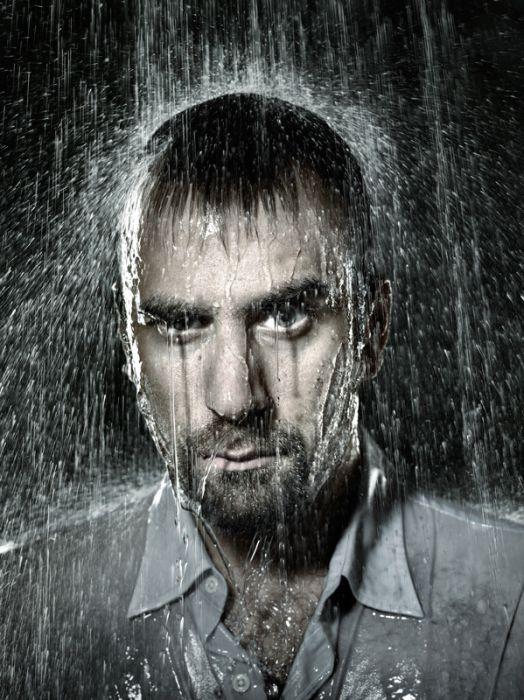 Портреты людей под дождем