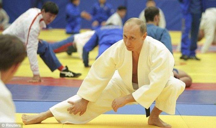 Владимир Путин принял участие в Открытом чемпионате по дзюдо (8 фото)