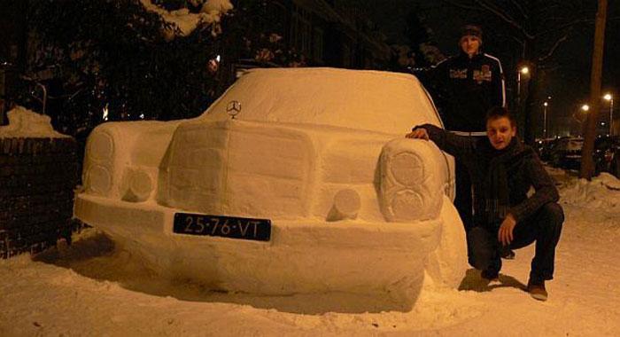 Мерседес S-class из снега