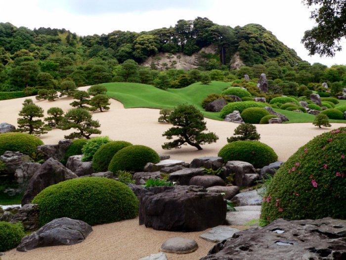 Красивый японский парк