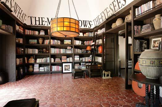Впечатляющие коллекции книг знаменитостей