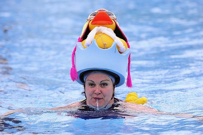 Открытки, люди в бассейне смешные картинки
