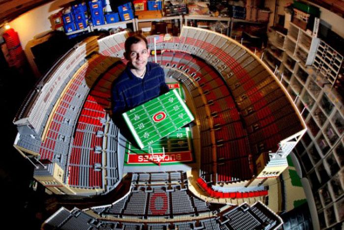 Копия главного стадиона штата Огайо из LEGO
