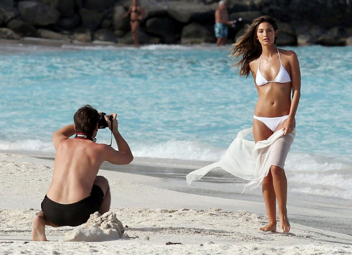 Лили Олдридж (Lily Aldridge) на пляжах Карибского моря