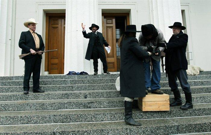 Аукцион чернокожих рабов (8 фото)