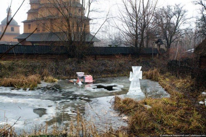 Как купались на Крещение в Киеве (24 фото)