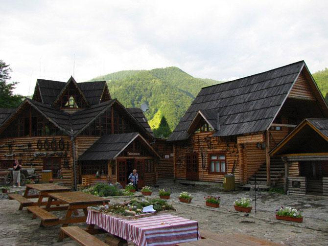 комментариях под самая натуральная деревня в украине фото как веселый