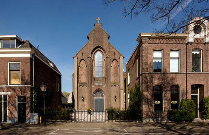 Церковь переоборудованная в квартиру