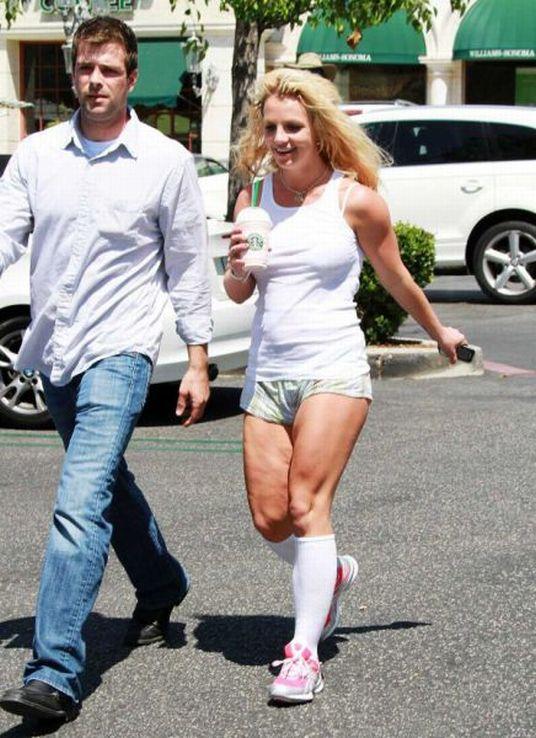 Бритни Спирс прикалывается перед препарации (12 фото)