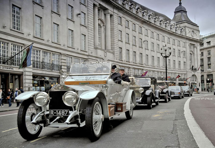 Парад Rolls-Royce