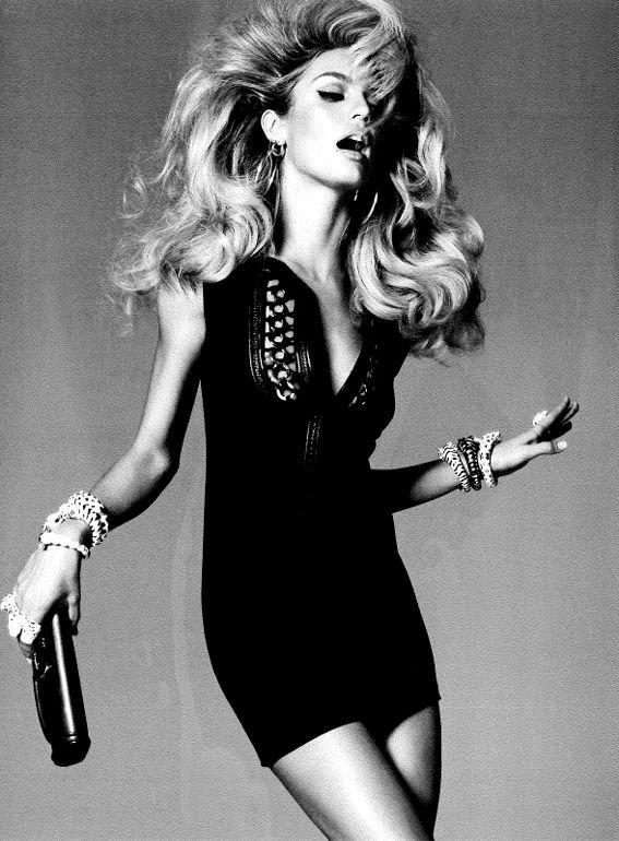 Кэндис Свэйнпол (Candice Swanepoel) в рекламе Victoria's Secret