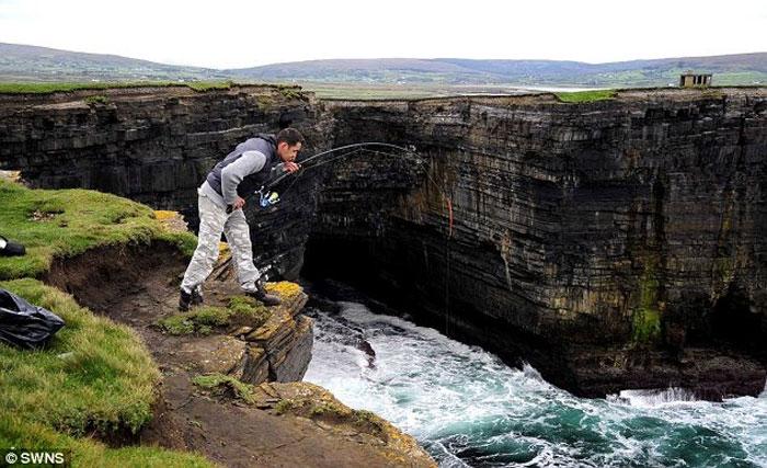 Фанат рыбалки из Северной Ирландии