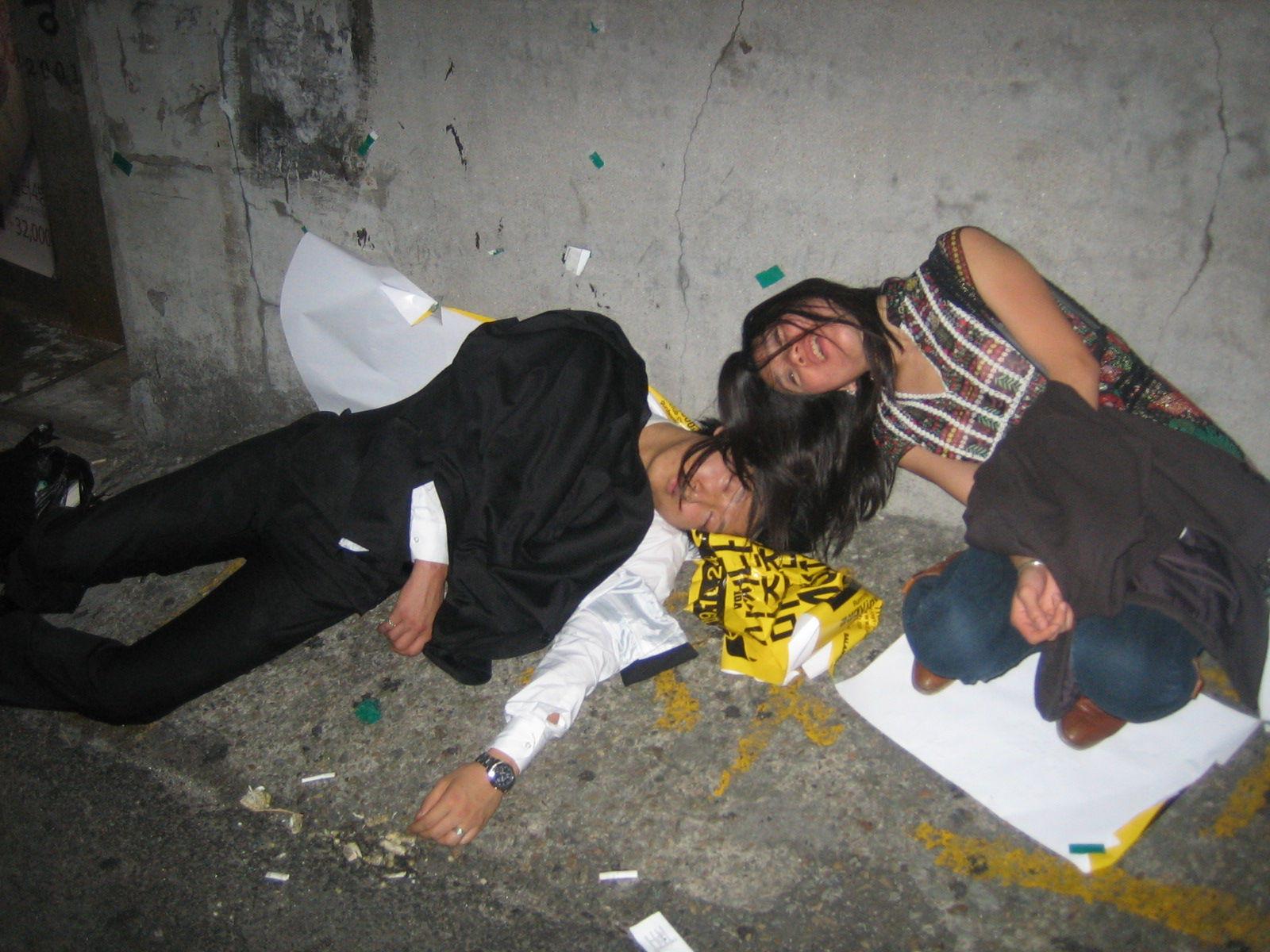 Пьяные валяющиеся девушки 3 фотография