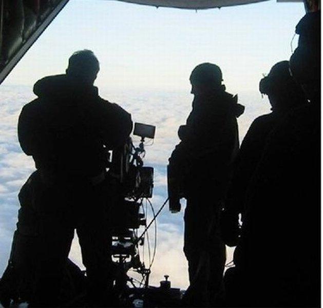 Снимки истребителя в полете (5 фото)