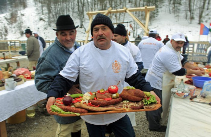 Ежегодный фестиваль свинины в Румынии