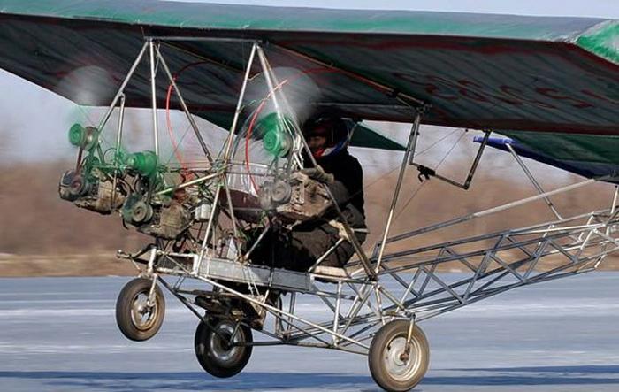 Построил самолет своими руками (4 фото)