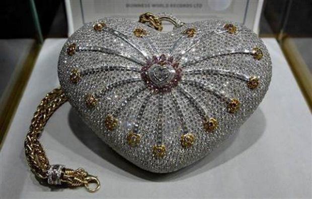 """1001 Nights Diamond Purse "" - самая дорогая дамская сумочка."