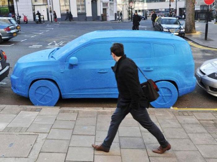 Пластилиновый авто в натуральную величину