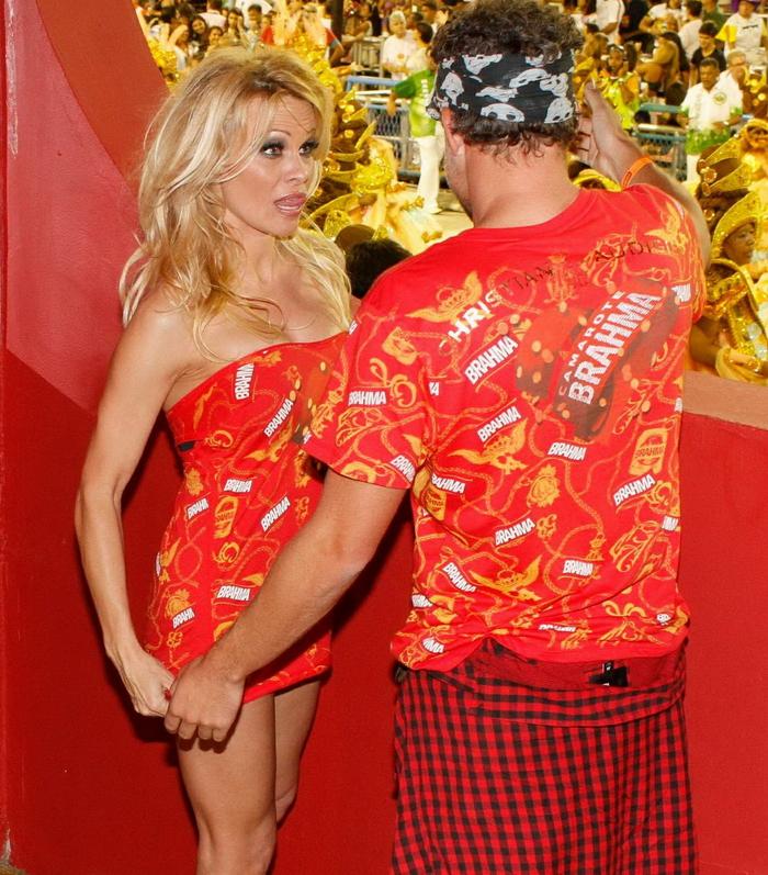 ������ �������� (Pamela Anderson) �� Brahma VIP Party (12 ����)