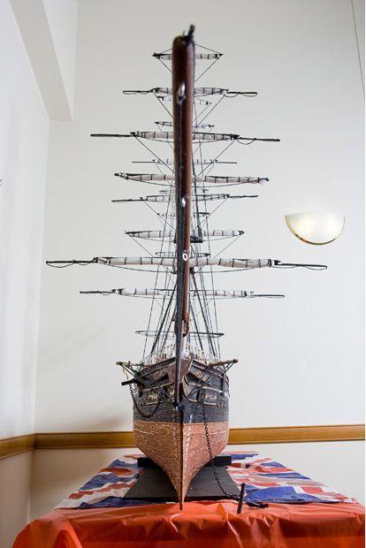 Крупнейшая модель корабля из зубочисток