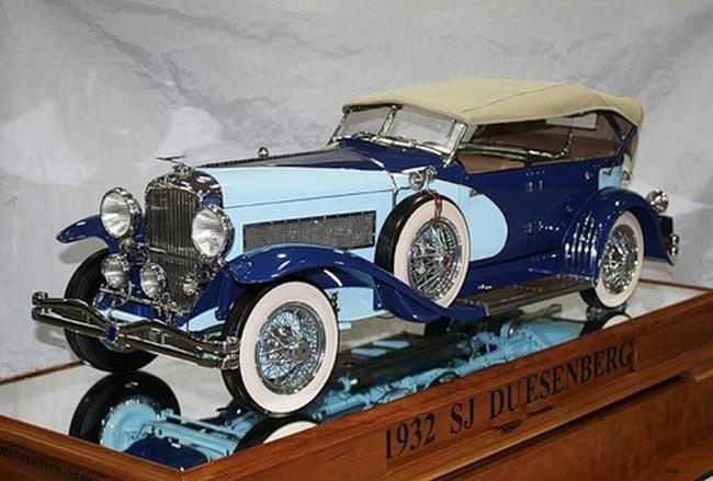 Модель Duesenberg SJ 1932 года