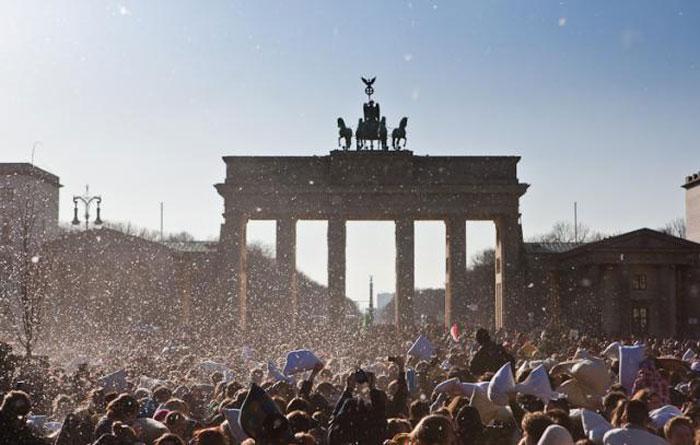 Бой подушками в Берлине