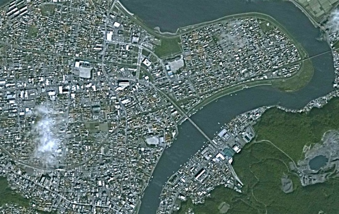 Снимки Японии со спутника, до и после землетрясения.