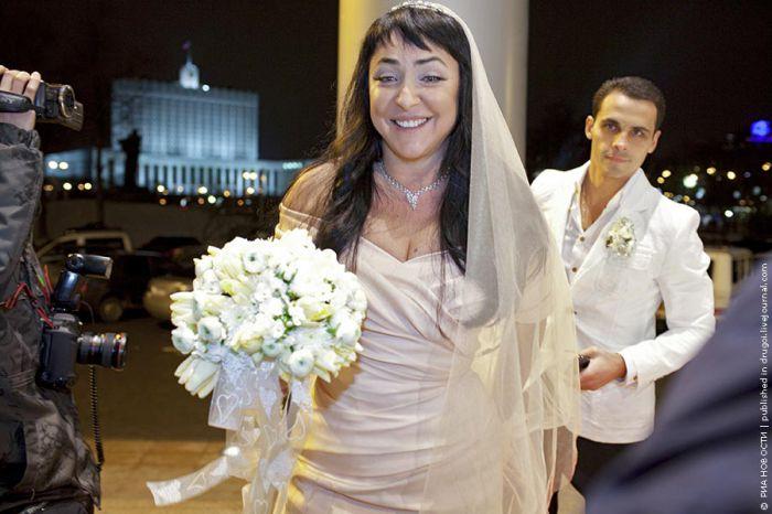 Лолита Милявская в пятый раз вышла замуж (3 фото)