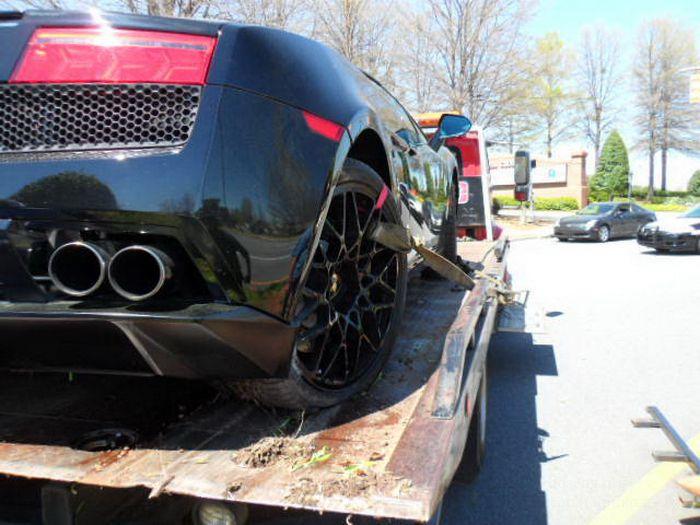 Разбил Lamborghini Gallardo (8 фото + 1 видео)