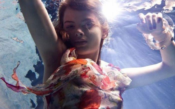 Девушки под водой (14 фото)