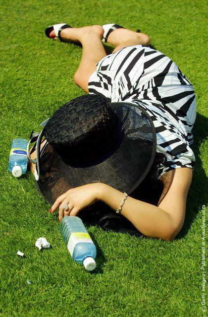 Как отдыхают английские леди (31 фото)