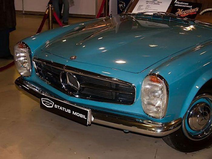Старые авто как музейные экспонаты (55 фото)