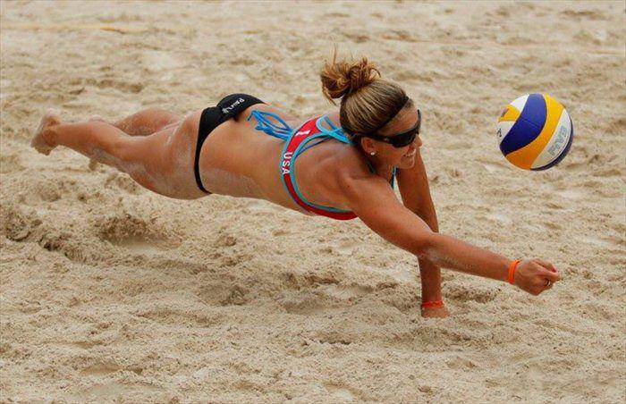 Пляжный женский волейбол (28 Фото)