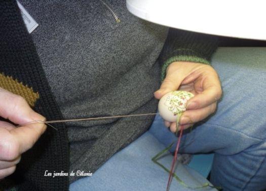 Вышивка на яйцах (12 фото)