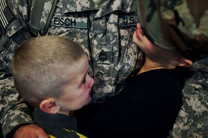 Возвращение солдата домой (20 фото)