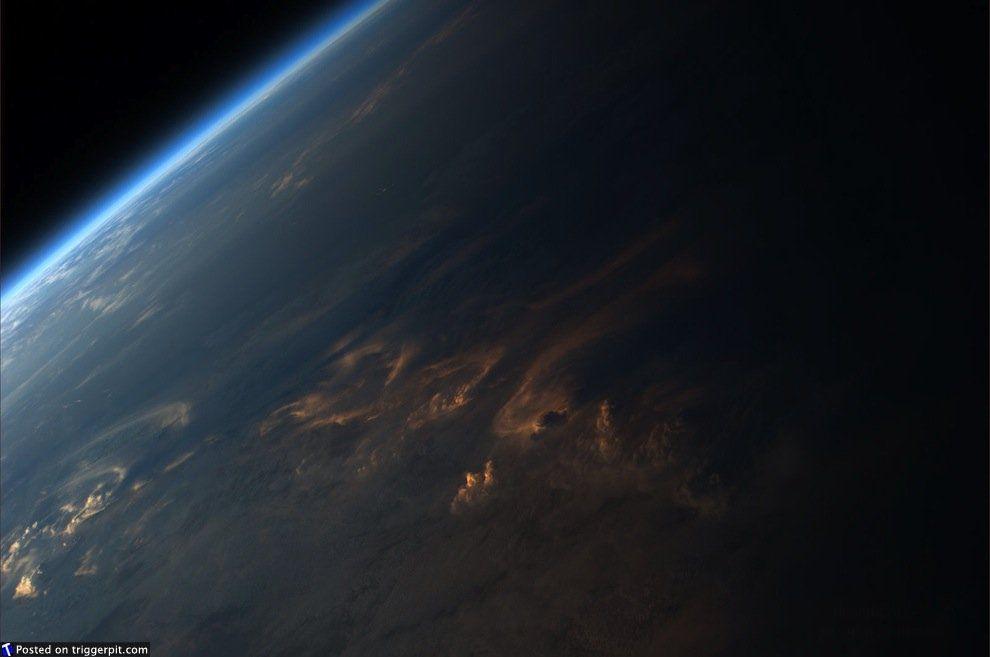 что фото земли из далекого спутника места звука