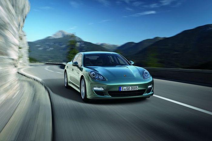 Porsche представила дизельную версию Panamera (11 фото)