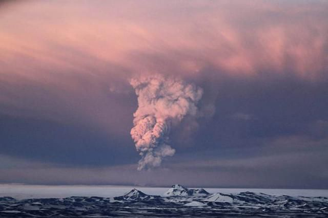 Извержение вулкана Гримсвотн в Исландии