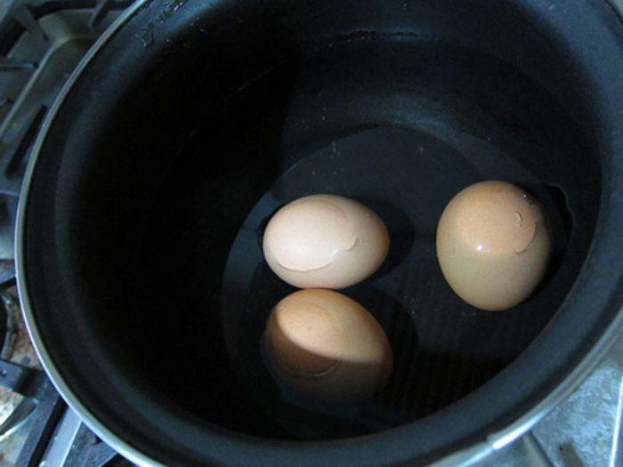 Как приготовить удивительные яйца (11 фото)