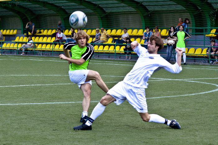 Театральный футбол (18 фото)