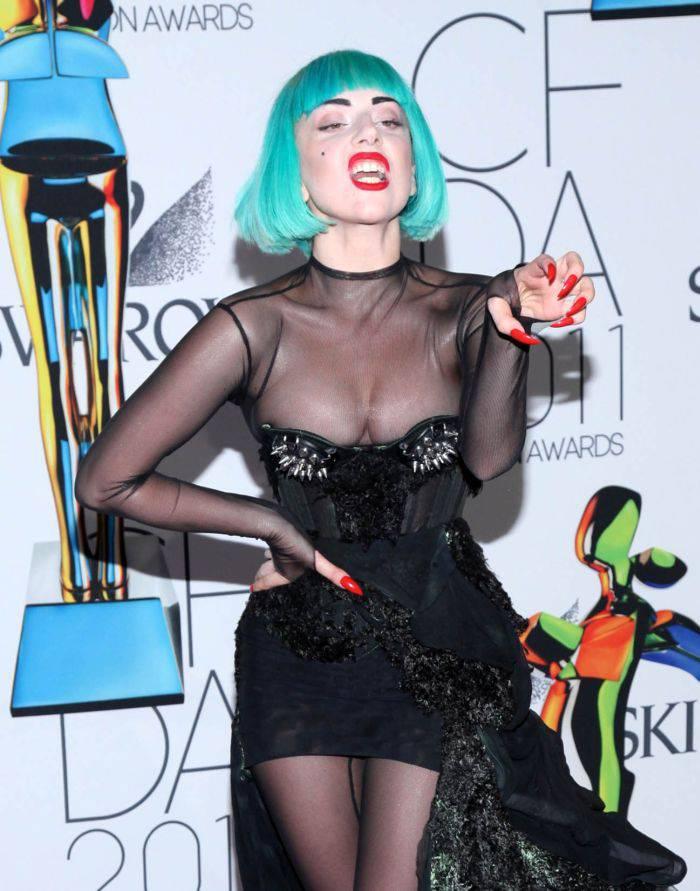 Экстравагантный наряд Леди Гага (8 Фото)