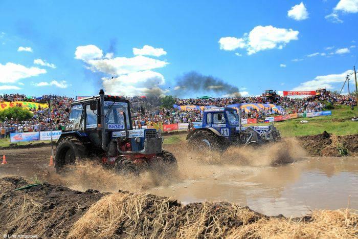 Гонки на тракторах в Ростове-на-Дону (16 фото)