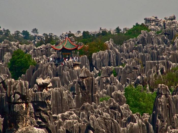 Каменный лес Шилинь в Китае (10 фото)