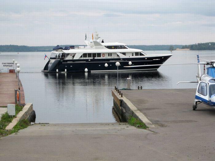 Яхта Патриарха Кирилла