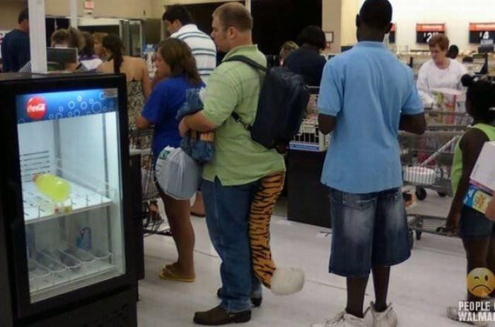 Смешные люди в супермаркетах