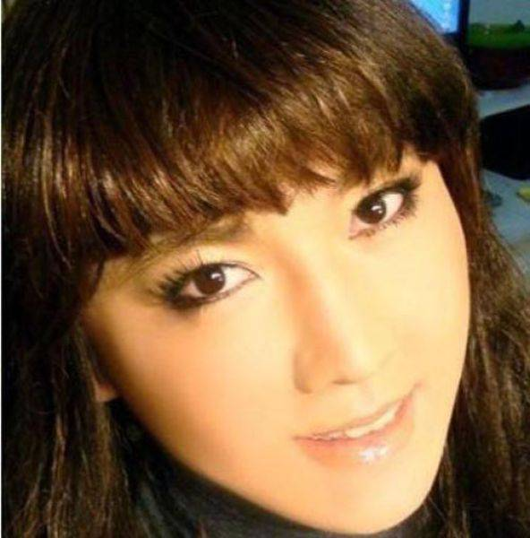 Смываем макияж с китайской девушки (9 фото)