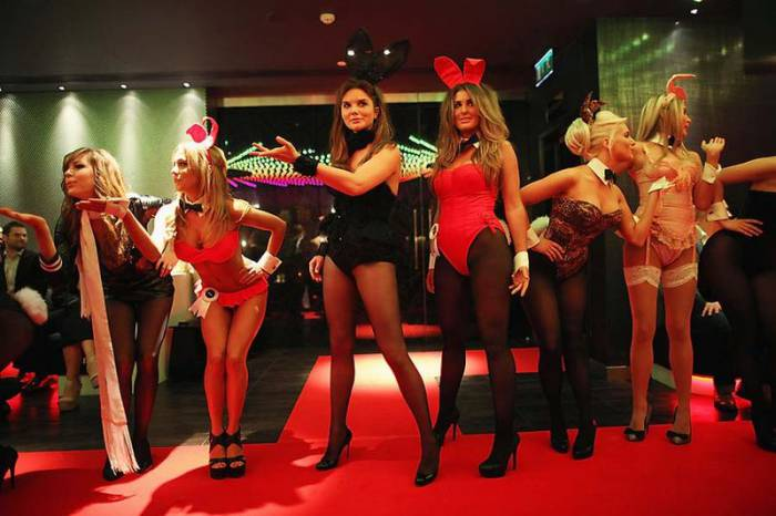 ������� � �������� Playboy Club London