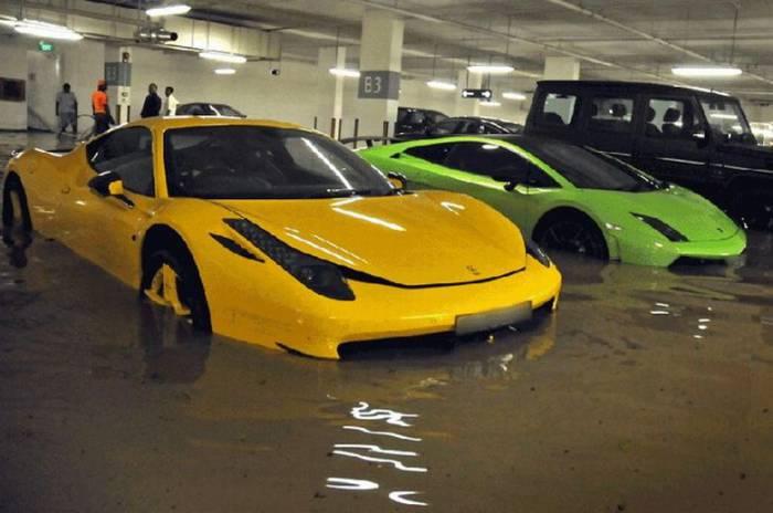 Затопленные супер-кары (5 фото)
